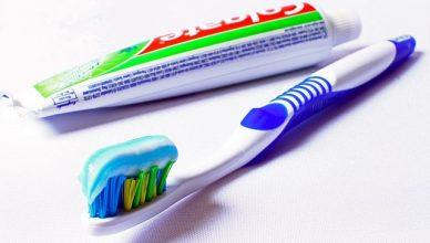 Triclosan in Zahnpasta kann Bakterien verändern