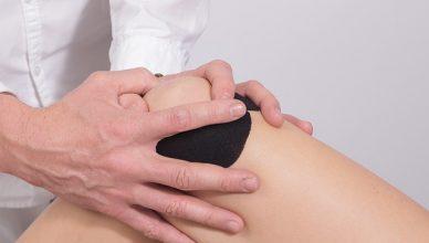 Kniearthrose: Eine kohlenhydratarme Ernährung kann die Symptome lindern