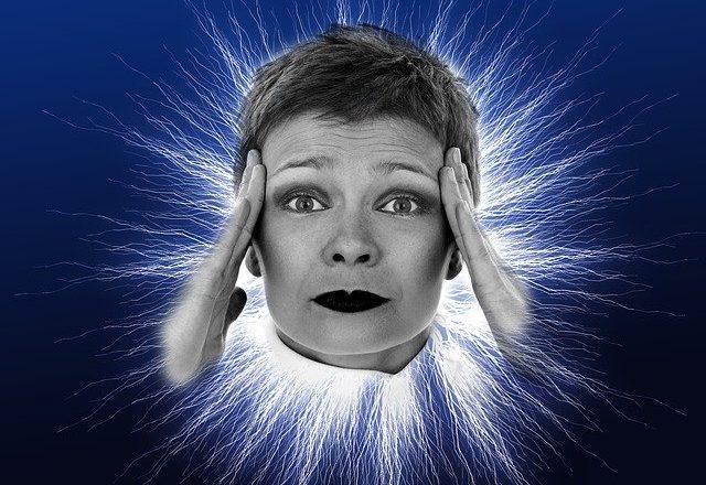 Kopfschmerzen durch Koffeinentzug: Ursachen und Behandlung