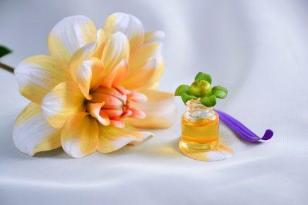 Teebaumöl gegen Nagelpilz: Hilft das Öl?